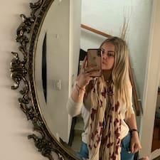 Profilo utente di Yenifer Elena