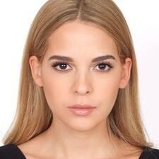 María Reneé felhasználói profilja