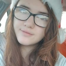 Aubrianna felhasználói profilja