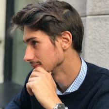 Niccolò är en Superhost.