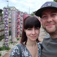 Tom & Kayleigh felhasználói profilja