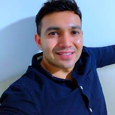Manuel Alejandro es SuperAnfitrión.
