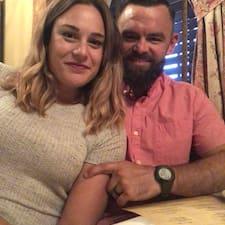Carly And C.J. Profile ng User