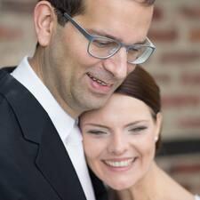 Sarah & Arnold User Profile
