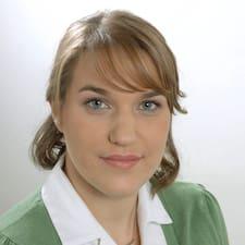 Profil Pengguna Ivana - Interholiday