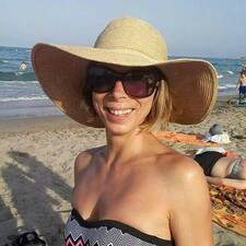 โพรไฟล์ผู้ใช้ Maria Veronica