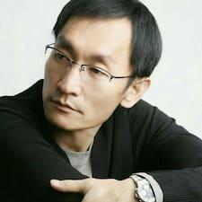 Zjisti více o hostiteli KyungWook