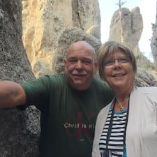 Mike &  Sharon est un Superhost.