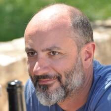 Julien Brugerprofil