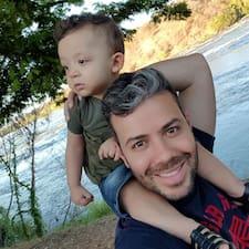 João Ricardo is a superhost.