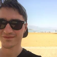 Mirko felhasználói profilja