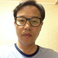 Yong Nam felhasználói profilja
