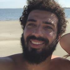 João Augusto es el anfitrión.