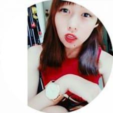 โพรไฟล์ผู้ใช้ Yi-Fang