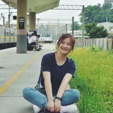 โพรไฟล์ผู้ใช้ Yao佳瑶