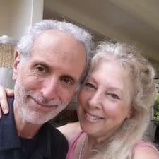 Jonathan & Deborah er SuperHost.