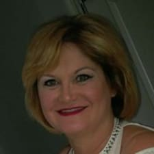 Профіль користувача Debbie