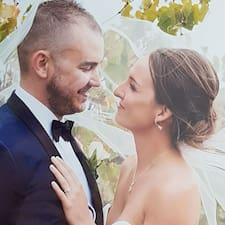 Profil Pengguna David & Monica