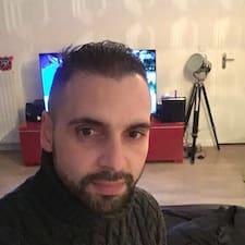 Elyamene felhasználói profilja