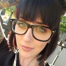 Carly Kullanıcı Profili