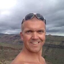 Roger felhasználói profilja