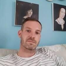 Yonneck felhasználói profilja