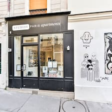 STUDIOS PARIS Apartments Superhost házigazda.