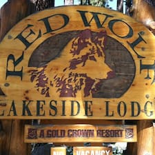 Red Wolf Lakeside Lodge es SuperAnfitrión.