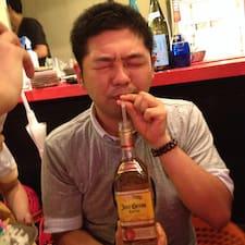 尊之 felhasználói profilja
