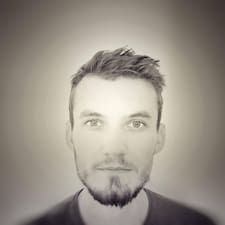 Léon User Profile