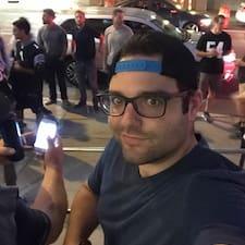 โพรไฟล์ผู้ใช้ Michael