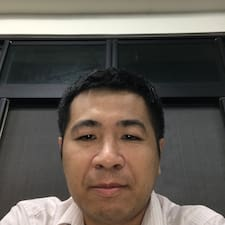 奕良 User Profile