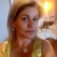 Adriana Roberta User Profile