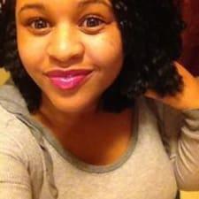 Brittney felhasználói profilja