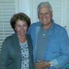 โพรไฟล์ผู้ใช้ Margaret (Peg) & Pat