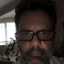 Profil Pengguna Péter