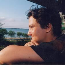 Dorothée User Profile