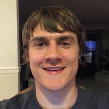 Cayden felhasználói profilja