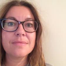 Anne Karine User Profile