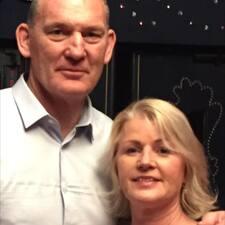 Dan & Julie felhasználói profilja