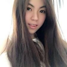 โพรไฟล์ผู้ใช้ Ching Ying