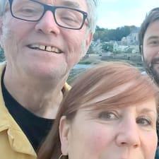 François är en Superhost.