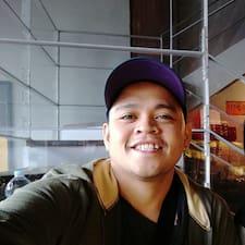 Raymund felhasználói profilja