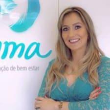 Profil Pengguna Camila