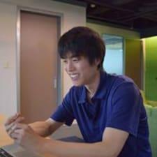 Profil Pengguna Toshiaki