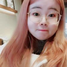 筱 User Profile