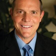 Dr. Marcus felhasználói profilja