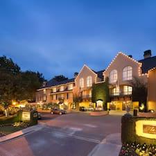 Nutzerprofil von Lafayette Park Hotel