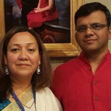 Amit & Sonika — хозяин.