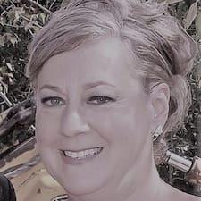 Kelly Lee User Profile
